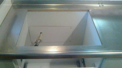 ビルトインコンロ交換(その1)、枠の清掃